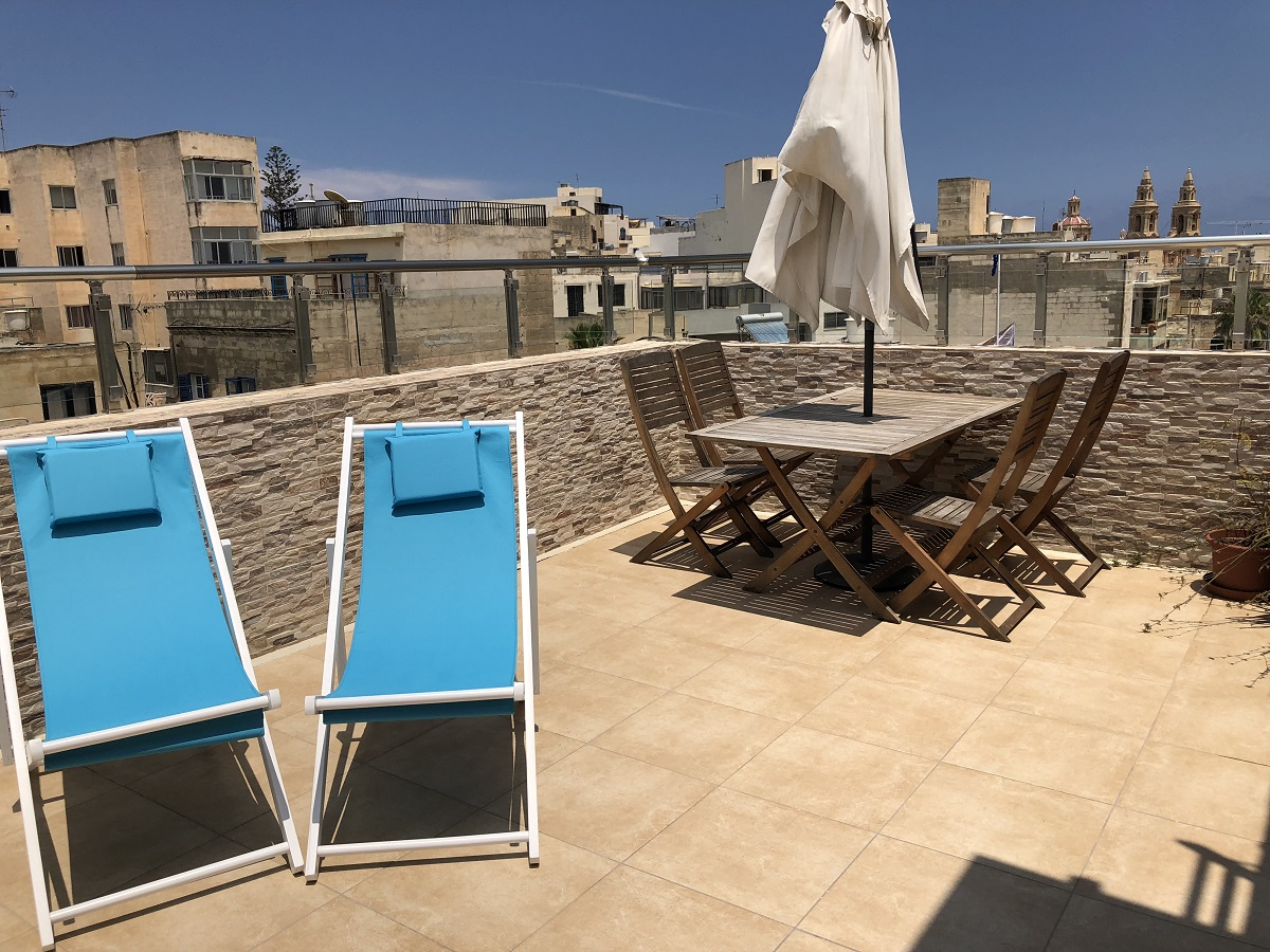 Penthouse to let in Sliema
